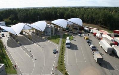 На границе с Польшей скопилось почти 700 авто