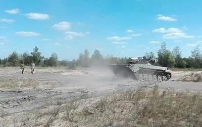 Военные испытали модернизированную БМП