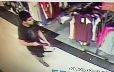 Появилось видео с места стрельбы в американском торговом центре