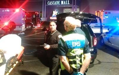 Выросло число жертв стрельбы в американском торговом центре