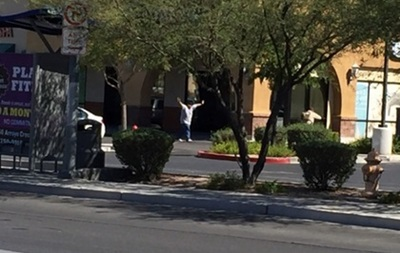 В Лас-Вегасе мужчина взял заложников, есть жертвы