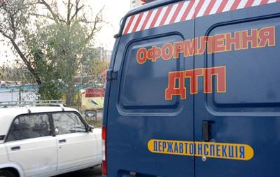 На Львовщине Chevrolet наехал на коммунальщиков, есть жертвы