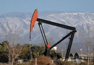 Цены на нефть снизились почти на два доллара