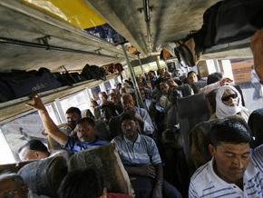 В Пакистане автобус упал с 300-метровой высоты: погибли 25 человек