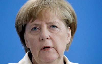 Меркель объявила о неизменности своей политики по беженцам