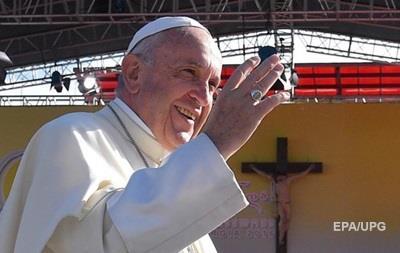 Папа Римский отслужил мессу на полупустом стадионе в Тбилиси
