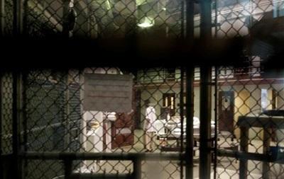 США эвакуировали 700 американцев из Гуантанамо