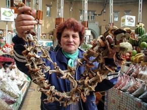 Киевские власти легализовали 19  стихийных рынков из 160-ти существующих