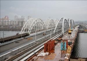 В Киеве открылось автомобильное движение по Дарницкому мосту