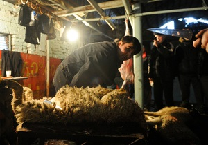 В России могут запретить резать баранов на улицах в Курбан-байрам