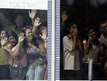 Грабители венесуэльского банка, взявшие заложников, сдались властям