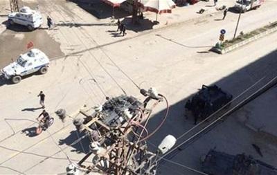 В Турции полиция по ошибке обстреляла толпу