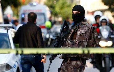 В Турции от взрыва бомбы погибли более 15 человек