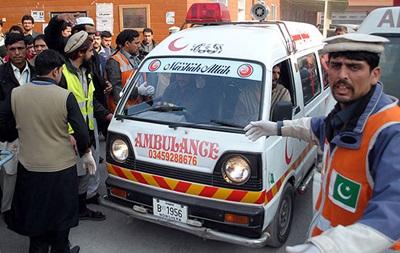 В Пакистане столкнулись два автобуса: 27 погибших