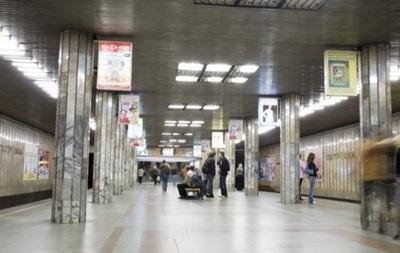 Взрывчатку на станции метро Петровка в Киеве не нашли
