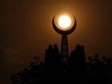 В Пакистане террорист-смертник подорвал сборный пункт военных