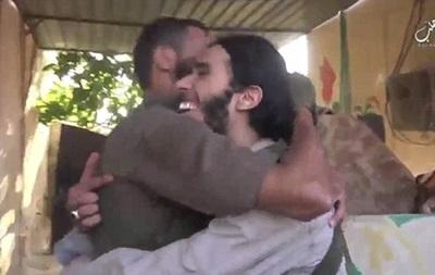 Боевик ИД радуется, что станет смертником: видео