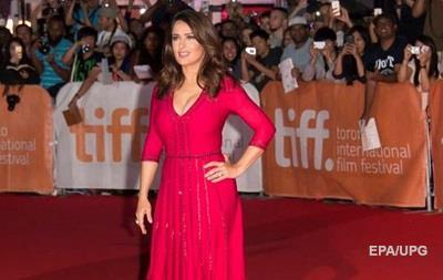 Актриса Сальма Хайек обвинила Трампа в домогательствах