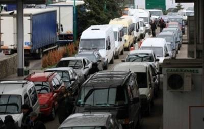 Выросли очереди из авто на границе с Польшей