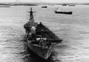 Британия привела ВМС у Фолклендских островов в состояние повышенной боеготовности