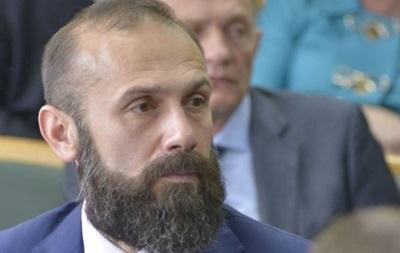 Суд отказался надевать браслет на судью Емельянова