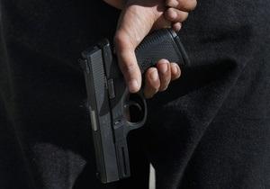 В Киеве милиционер расстрелял двух хулиганов