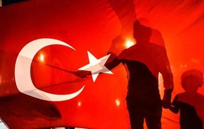 В Турции уволили 10 тысяч человек за причастность к мятежу