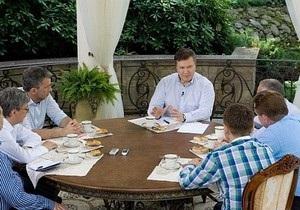 Банковая: Янукович максимально открыт для общества и СМИ
