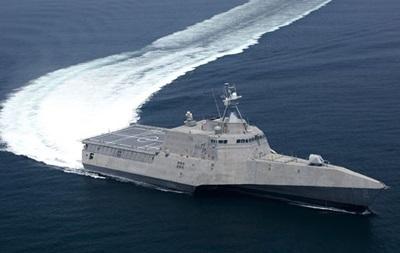Военный корабль США получил пробоину при прохождении Панамского канала