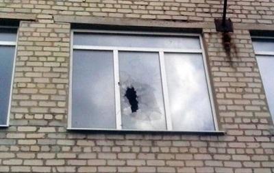 В Марьинке снова обстреляли школу