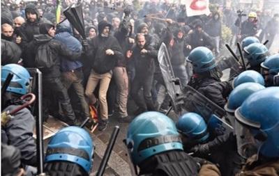 Протесты против референдума в Италии: начались стычки с полицией