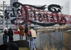 В Нью-Йорке упал строительный кран: есть пострадавшие