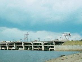 Журналисты имитировали минирование дамбы Киевского водохранилища
