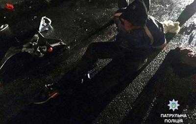 ВКиеве байкер угрожал сжечь себя иполицейских