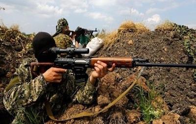 Сутки в АТО: снайперы обстреливают военных