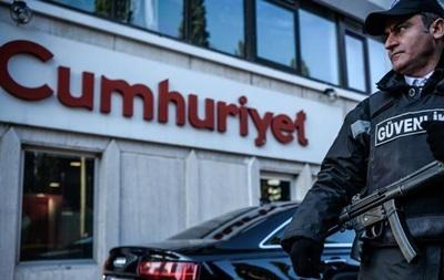 В Турции арестован издатель оппозиционной газеты