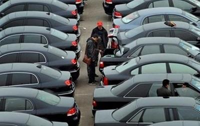 Кабмин потратит на автопарк почти 33 миллиона