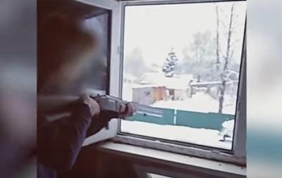 В РФ подростки, обстреляв копов, покончили с собой