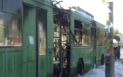 В Киеве на ходу загорелся троллейбус