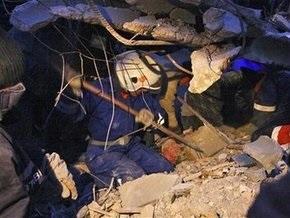 Ющенко и Тимошенко осмотрели место взрыва в Евпатории