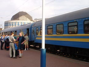 Укрзалізниця увеличит количество пассажирских поездов в праздничные дни