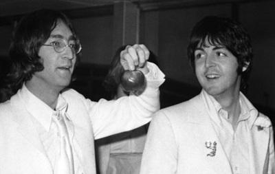 Гневное письмо Леннона к Маккартни купили за $30 тысяч