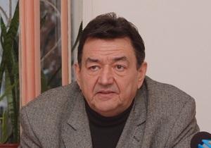 Попавший в ДТП народный депутат переведен в Феофанию