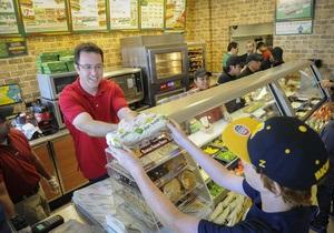 В Италии приготовили трехкилометровый бутерброд