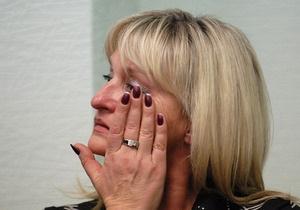 Жена Луценко в слезах покинула зал судебных заседаний: Бог вас накажет