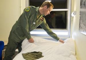 На фото с принцем Уильямом попали секретные данные британских военных