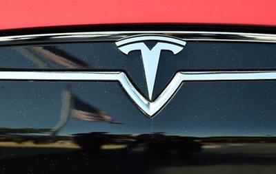 Tesla погодилася на компенсації норвежцям за повільний розгін