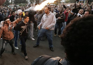 Каир - протест - Братья-мусульмане - Мечеть в Каире снова штурмуют силовики