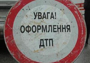 В Полтавской области столкнулись эвакуатор, автобус  и легковой автомобиль, есть жертвы