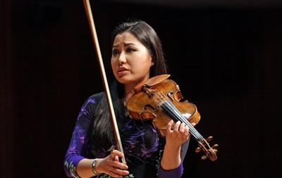 Американскую скрипачку Сару Чанг обокрали впроцессе перелета в российскую столицу